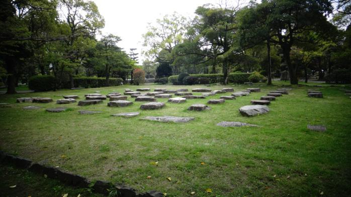 Pierres anciennes à Hiroshima